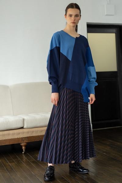 COLOURBLOCK OVERSIZED KNIT TOP [NAVY and MULTI]