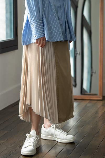 PLEATED PANEL TRENCHBELTED SKIRT
