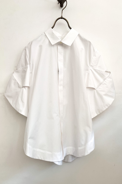 CUTOUT LATITICE SHORT SLEEVE SHIRT [WHITE]