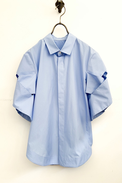 CUTOUT LATITICE SHORT SLEEVE SHIRT [LIGHT BLUE]