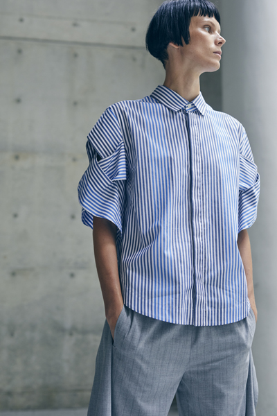 CUTOUT LATITICE SHORT SLEEVE STRIPE SHIRT