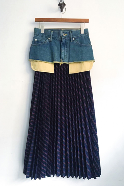 DETACHABLE DENIM PANEL STRIPE PLEATED SKIRT