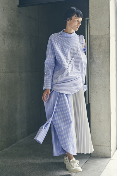 CONVERTIBLE PLEATED PANEL STRIPE SHIRT SKIRT