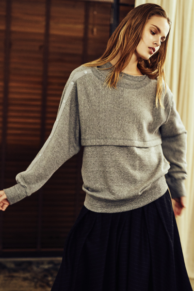 OVERLAY BUTTON SHOULDER SWEATSHIRT